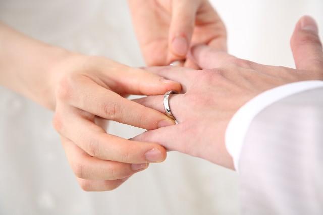 結婚指輪にはブラックダイヤモンドを