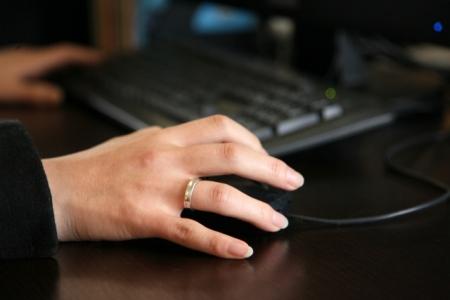 結婚指輪を身に着けることのメリット