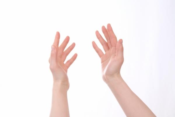 リングを着用している指に痛みを感じたら