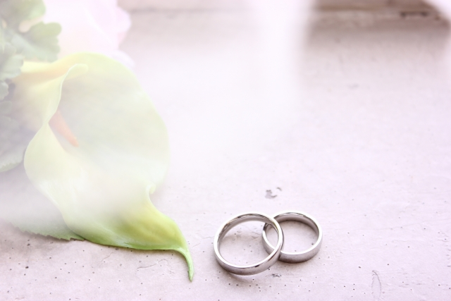 日常使いしやすい結婚指輪がおすすめ
